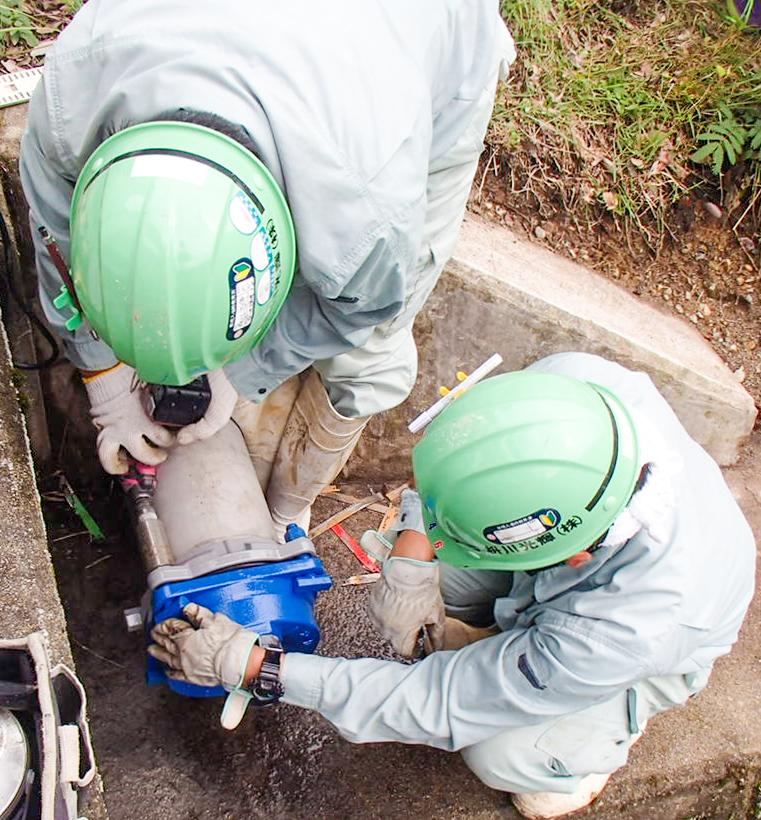 水道工事作業